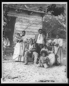 Family_of_African_American_slaves_on_Smith's_Plantation_Beaufort_South_Carolina