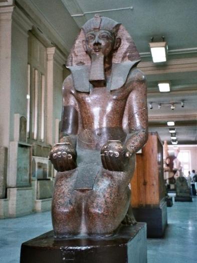 egypt_queen_pharaoh_hatshepsut_statue