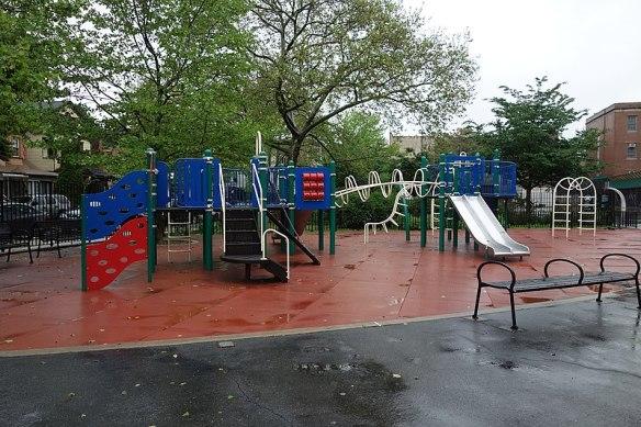 800px-Winthrop_Playground_td_(2019-05-12)_017